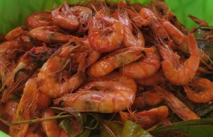 BEST Hot Peppered SHRIMP From Middle Quarters | Here's How They Make It |Jamaica StreetFood