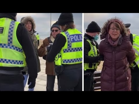 VIDEO 🤬 2 Women Arrested Today For Sitting On A Bench Bournemouth 🎥 WE'VE LOST OUR MARBLES